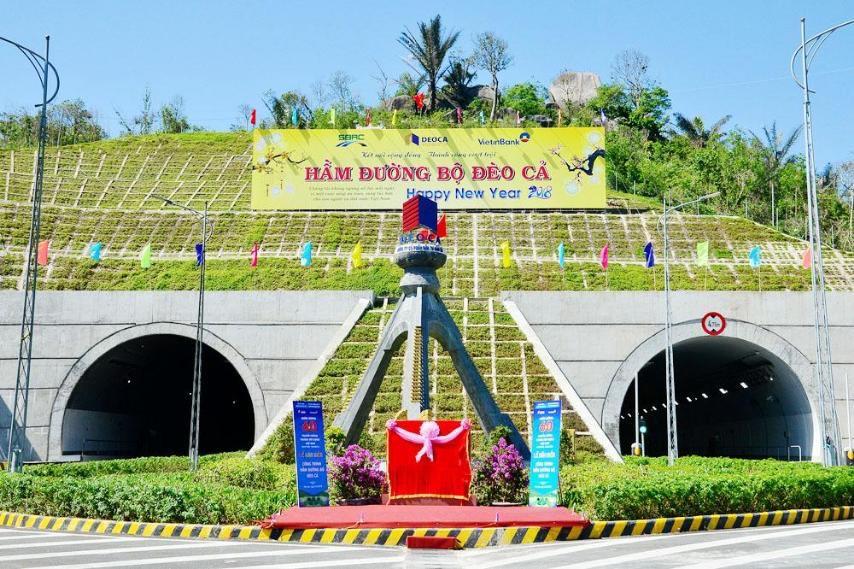 Hầm Đèo Cả nối giữa Phú Yên và Khánh Hòa. Ảnh: Phương Linh.