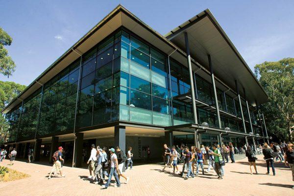 Đại học Wollongong, thành phố Wollongong, bang NSW, Australia.