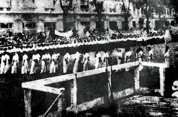 Lễ đài độc lập ngày 2/9/1945 tại Sài Gòn. Ảnh: Bảo tàng TP HCM