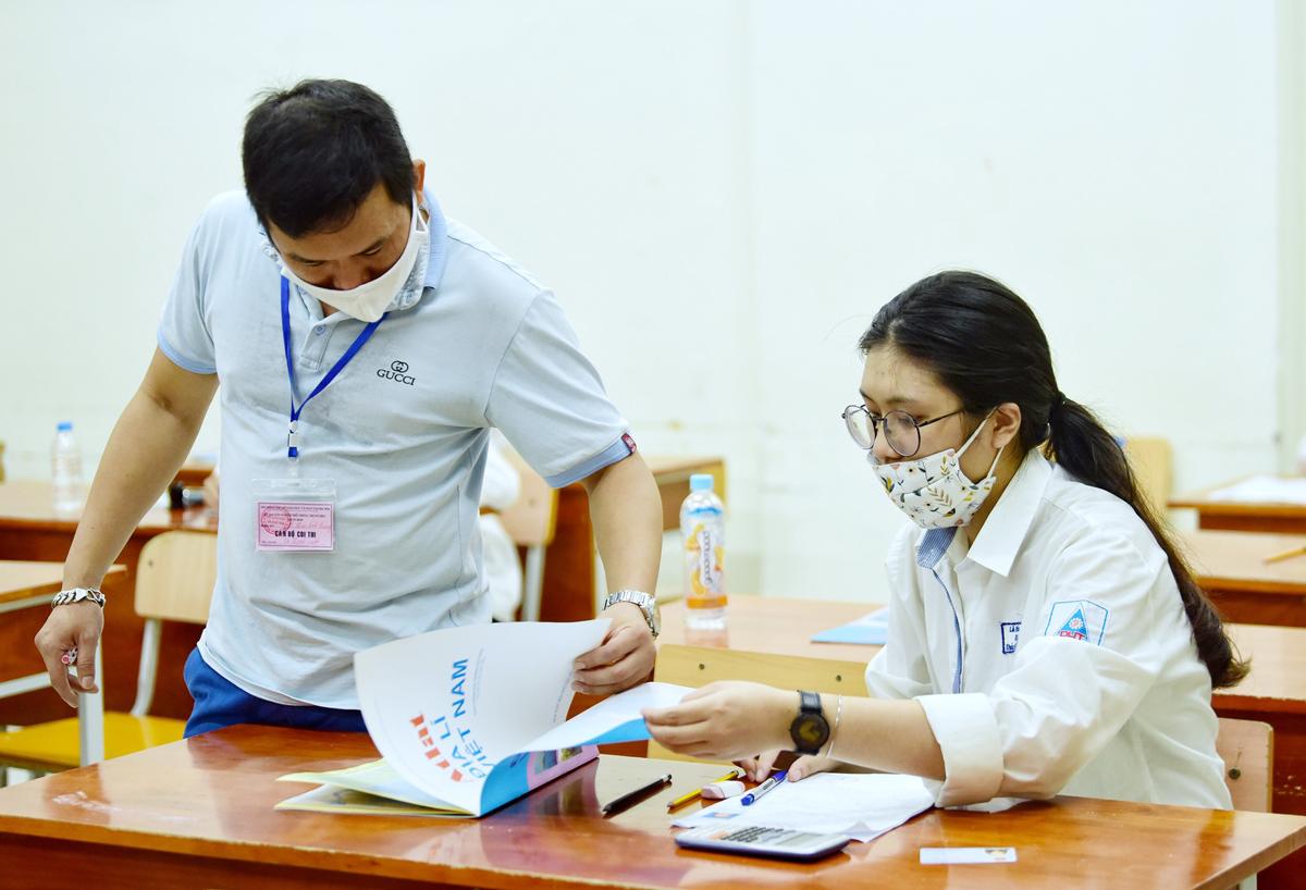 Thí sinh Hà Nội dự thi tốt nghiệp THPT 2020. Ảnh: Giang Huy