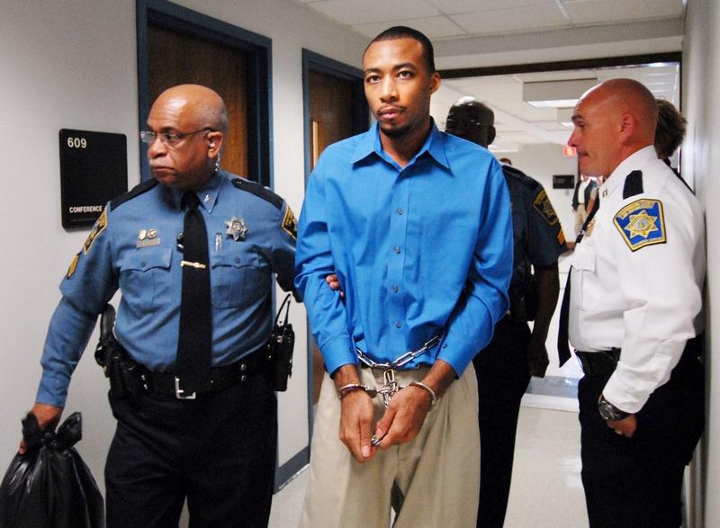 Christopher Hamilton bị dẫn giải ra tòa. Ảnh: GoUpstate.