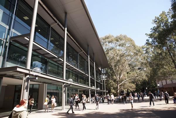 Đại học Wollongong xếp hạng 196 trên thế giới (QS World University Rankings 2021).