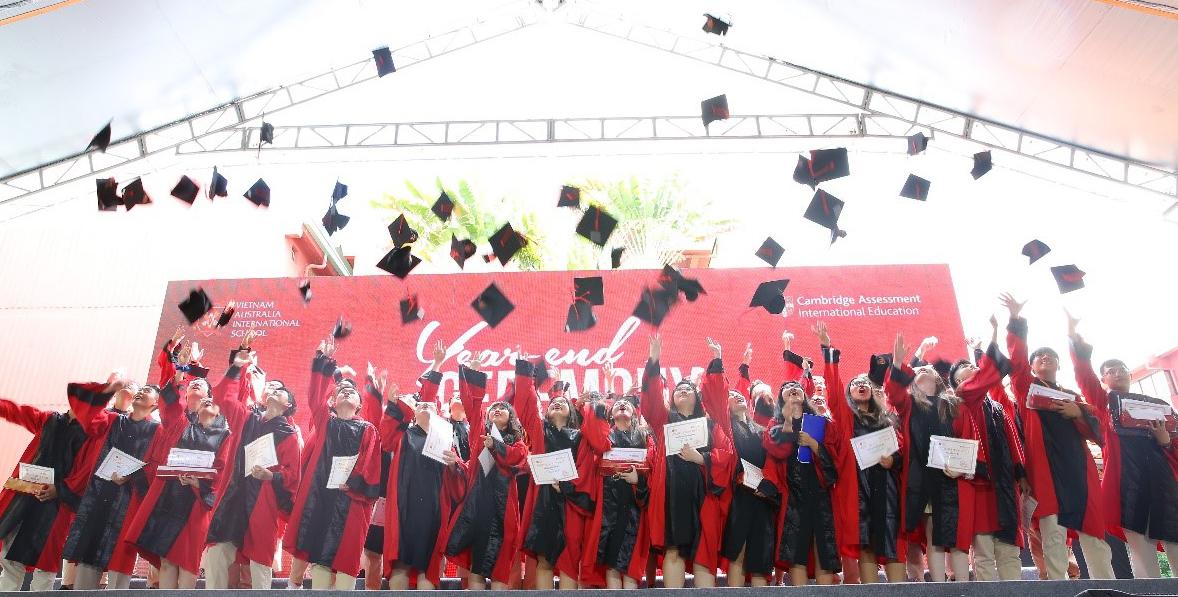 Học sinh trong buổi tổng kết cuối năm học 2019-2020.