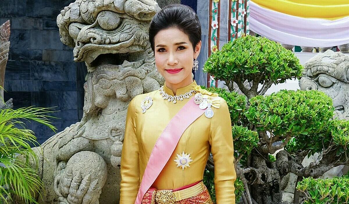 Hoàng quý phi tại Thái Lan hồi tháng 8/2019. Ảnh: AFP.
