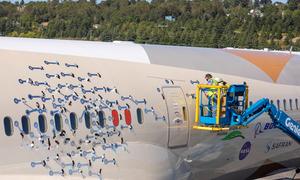 Thử nghiệm lắp 214 microphone bên ngoài máy bay Boeing