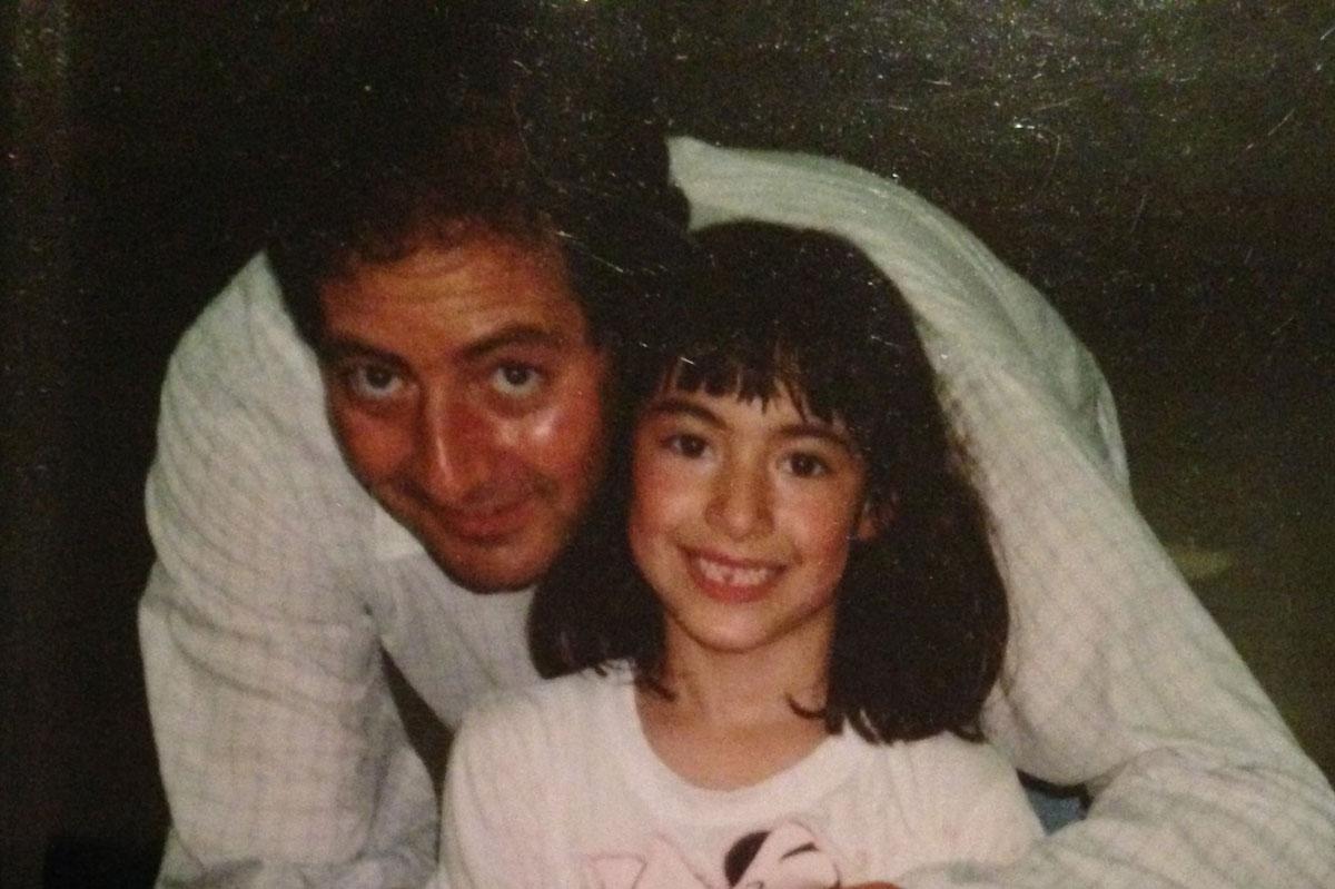 Gabby Slome chụp ảnh cùng bố. Ảnh: Gabby Slome.