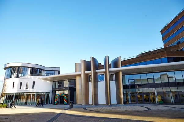 Chuyển tiếp du học ĐH Huddersfield, Anh với văn bằng BTEC HND  - 2