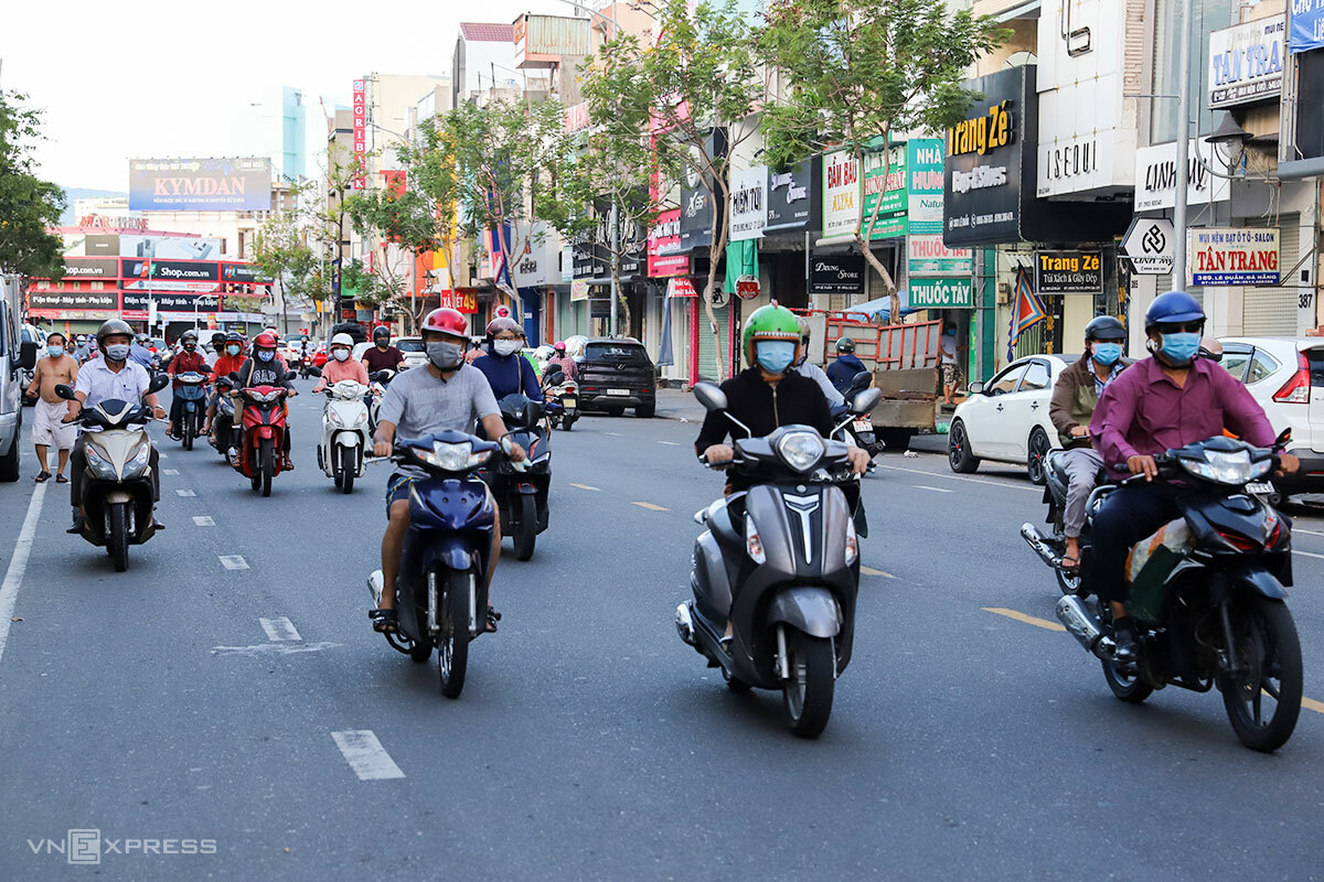 Đường phố Đà Nẵng đã đông đúc trở lại những ngày qua. Ảnh: Nguyễn Đông.