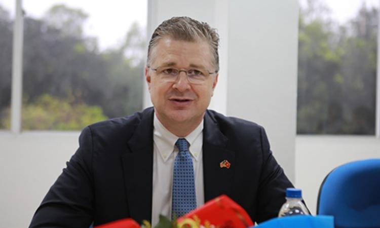 Đại sứ Mỹ tại Việt Nam Daniel Kritenbrink trong một sự kiện ở Nghê An hồi tháng 3/2019. Ảnh: Nguyễn Hải.
