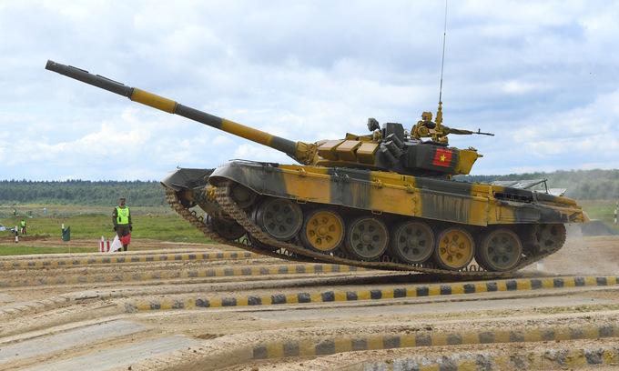 Xe tăng Việt Nam thi đấu ở trận bán kết hôm 1/9. Ảnh: QĐND.