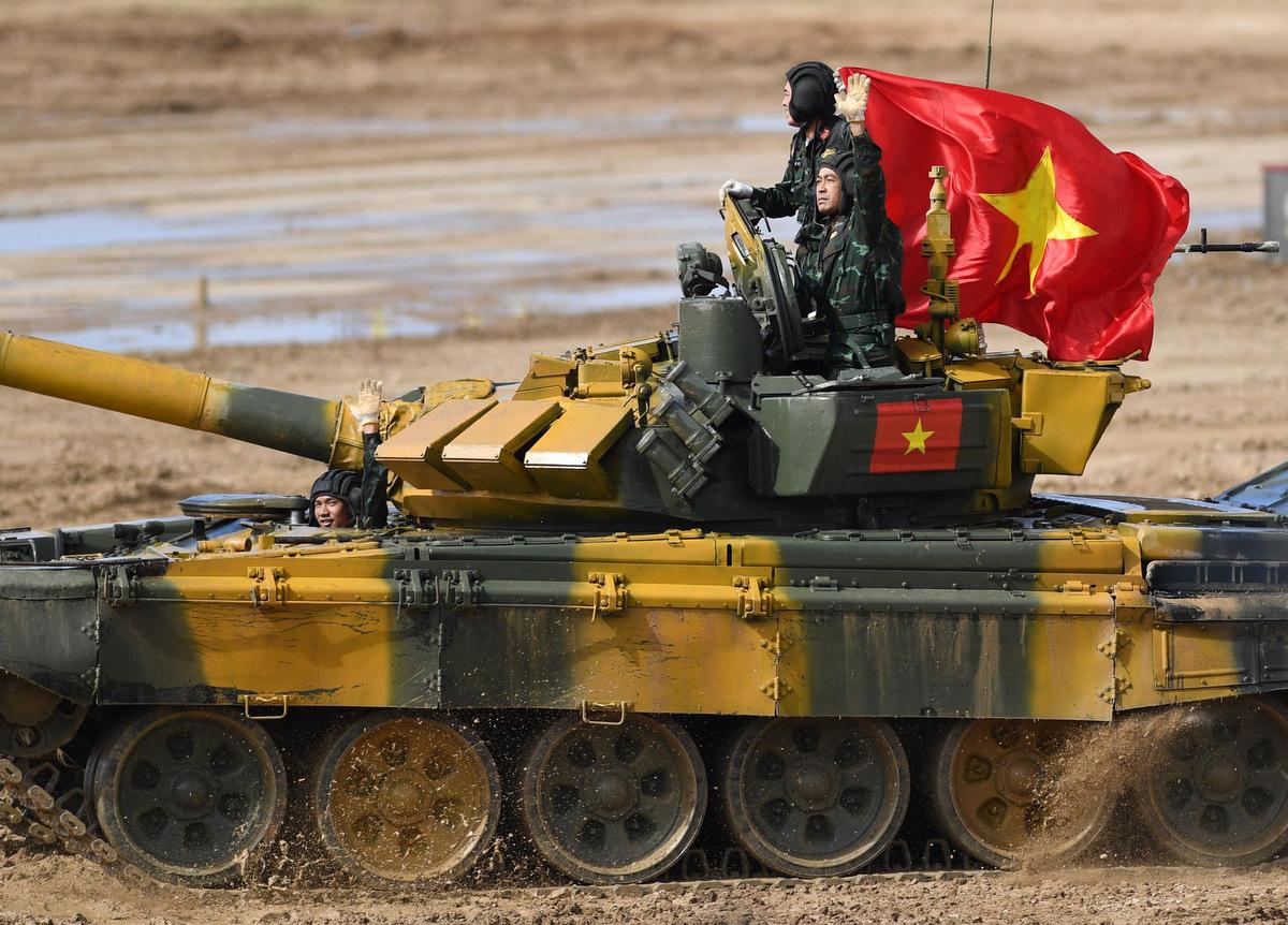 Kíp xe Việt Nam thi đấu tại Tank Biathlon 2020. Ảnh: QĐND.