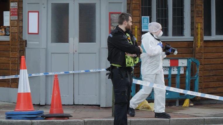 Cảnh sát tại hiện trường đâm dao ở Birmingham ngày 6/9. Ảnh: 1News.