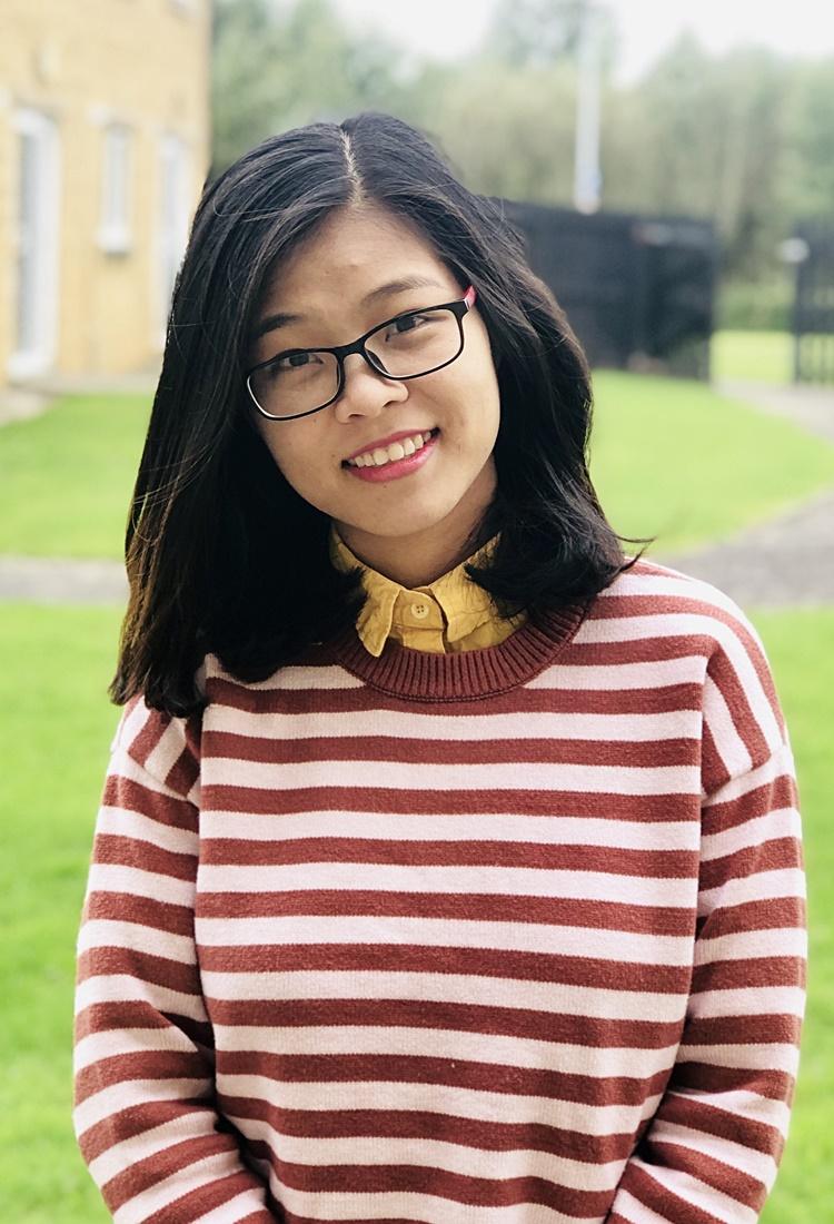 Chị Quỳnh tại khuôn viên Đại học Lancaster, Anh. Ảnh: Nhân vật cung cấp