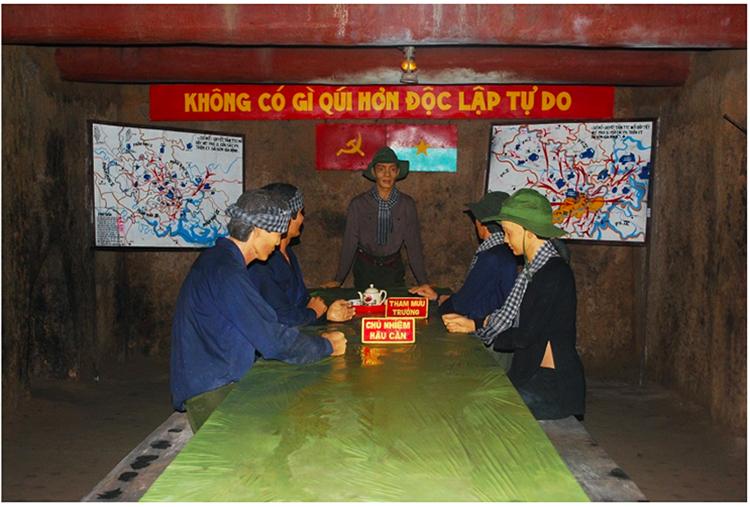 Phòng họp Bộ tư lệnh Quân Khu Sài Gòn - Chợ Lớn - Gia Định dưới địa đạo Củ Chi. Ảnh: Diadaocuchi.com.vn