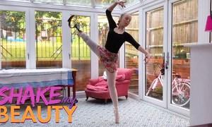 Nữ vũ công ba lê cụt chân