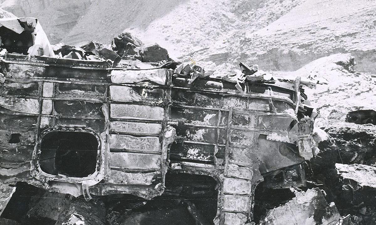 Một mảnh vỡ của thân máy bay TWA Super Constellation tại khu vực Grand Canyon, bang Arizona hồi tháng 7/1956. Ảnh: National Park Service.