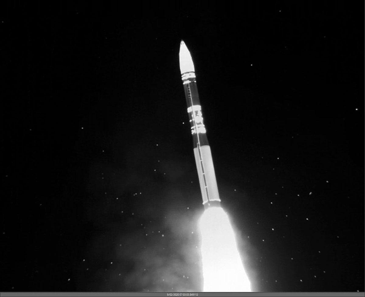 Quả đạn Minuteman III lấy độ cao sau khi rời bệ phóng hôm 2/9. Ảnh: AFGSC.