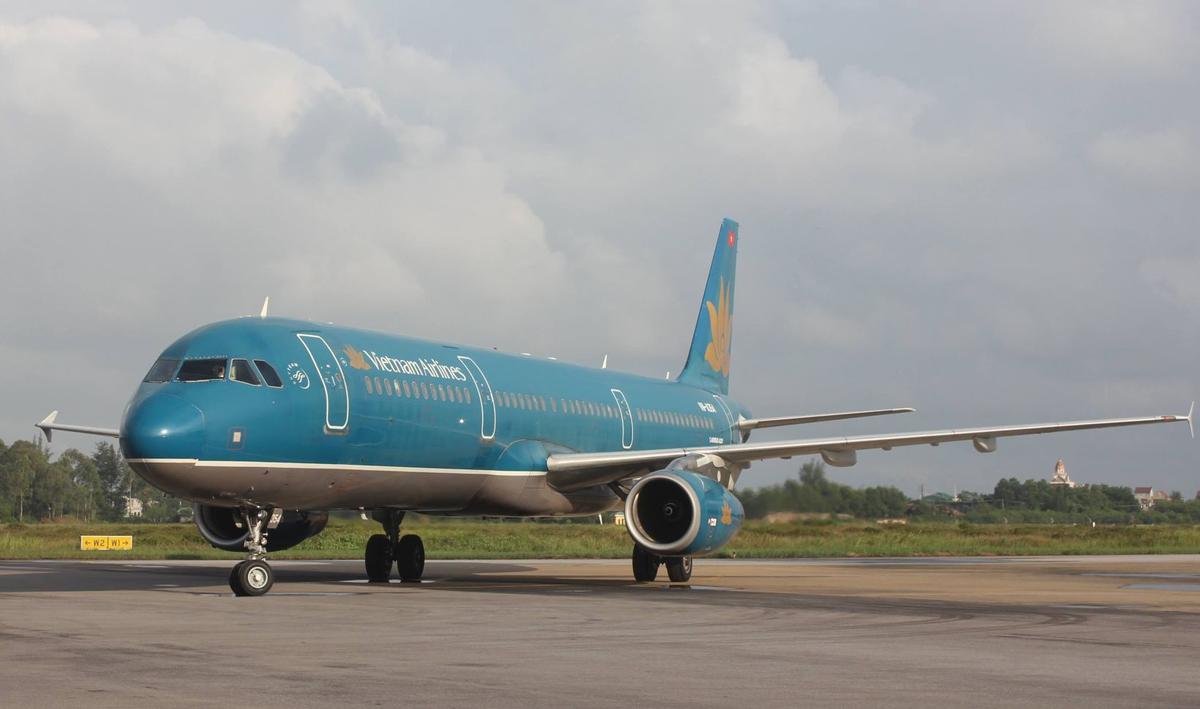 Máy bay đỗ tại sân bay Vinh. Từ sân bay Vinh đến khu vực Hà Tĩnh dự kiến xây sân bay chỉ khoảng 70 km. Ảnh: Nguyễn Hải