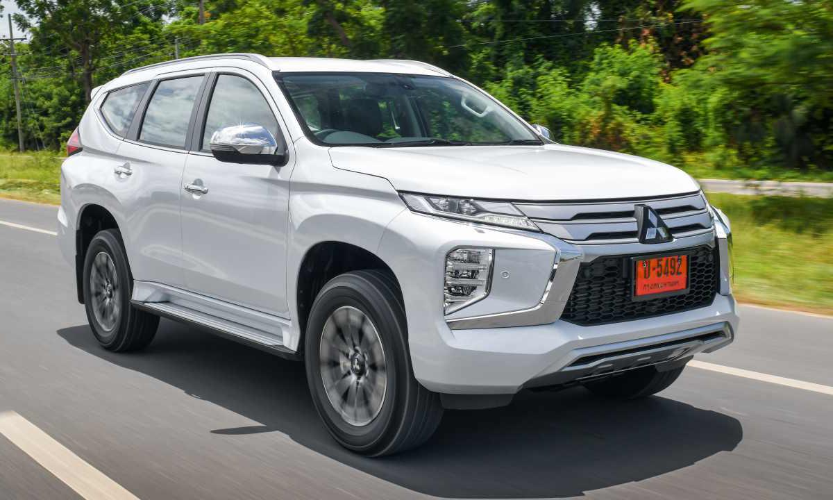 Pajero Sport facelift trong một hành trình lái thử dành cho truyền thông ở Thái Lan, tháng 10/2019. Ảnh: Topgear Thailand