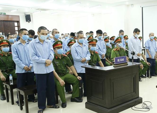 29 bị cáo nghe tòa tuyên án, chiều 14/9. Ảnh: TTXVN