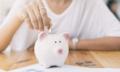 Phụ nữ độc thân nên tích góp tiền hay sống hưởng thụ?