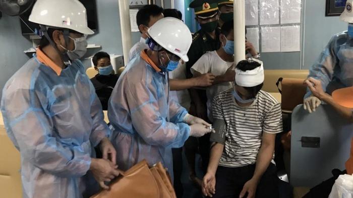 Thuyền viên bị tai nạn được cứu chữa kip thời. Ảnh: Trung tâm phối hợp tìm kiếm cứu nạn hàng hải.