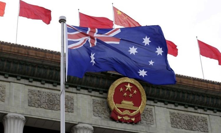 Quốc kỳ Australia tung bay trước Đại lễ đường Nhân dân ở Bắc Kinh, Trung Quốc, hồi tháng 4/2016. Ảnh: Reuters.