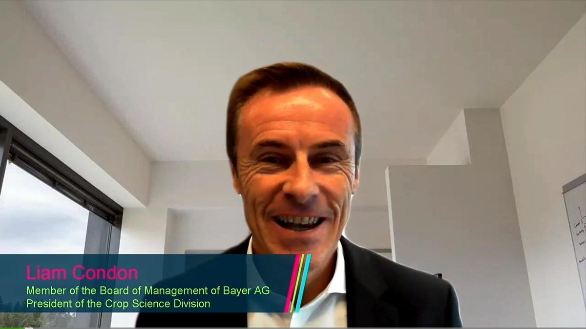 Ông Liam Condon – Thành viên Hội Đồng Quản Trị kiêm giám đốc nhánh Khoa học Cây trồng, Tập đoàn Bayer phát biểu khai mạc hội nghị trực tuyến.