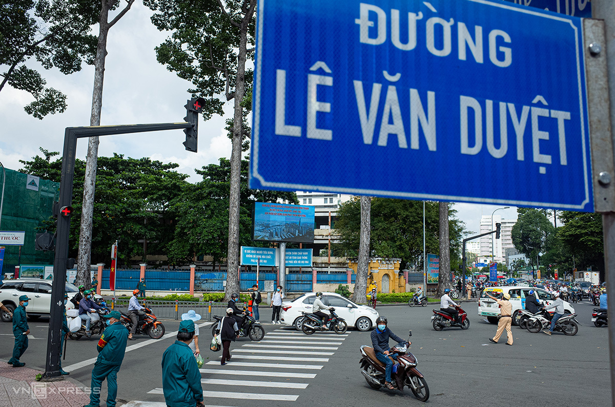 Đường Đinh Tiên Hoàng chính thức mang tên Lê Văn Duyệt từ sáng 16/9. Ảnh: Thành Nguyễn.