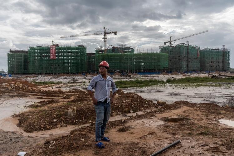 Một công trường của dự án xây dựng do Trung Quốc làm chủ ở Dara Sakor. Ảnh: NYTimes.