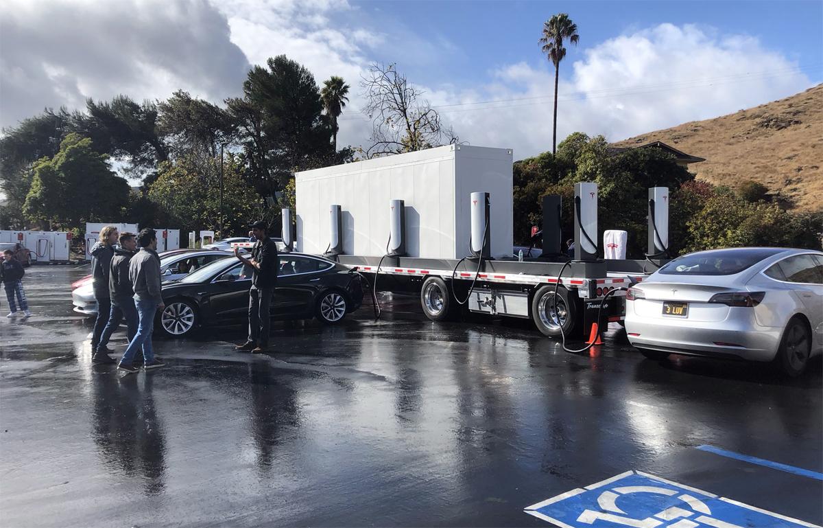 Trạm sạc di động của Tesla bắt đầu hoạt động từ cuối 2019. Ảnh: Brian Swenson