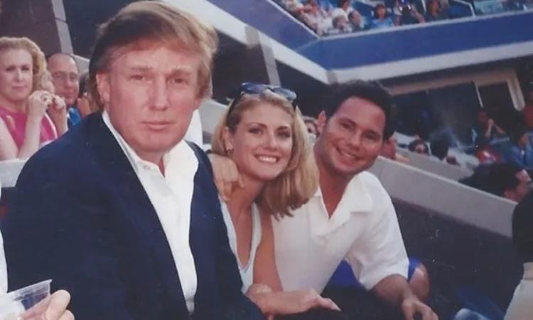 Cựu người mẫu Mỹ tố Trump tấn công tình dục - VnExpress
