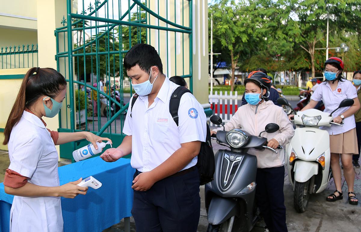 Thí sinh dự thi tốt nghiệp THPT năm 2020 tại TP Nha Trang, hồi tháng 8. Ảnh: Xuân Ngọc