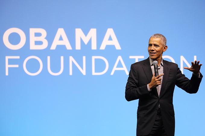 Cựu tổng thống Obama phát biểu tại sự kiện ở Kuala Lumpur, Malaysia hôm 13/12/2019. Ảnh:Reuters