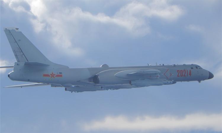 Oanh tạc cơ H-6 áp sát đảo Đài Loan sáng 18/9. Ảnh: Lực lượng phòng vệ Đài Loan.