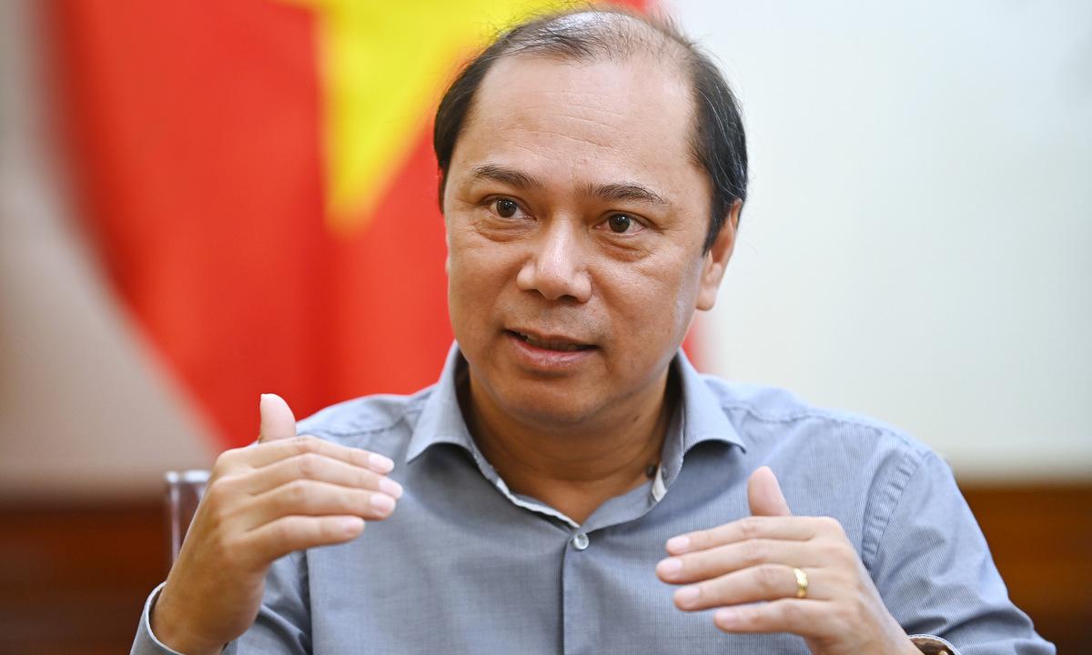 Thứ trưởng Ngoại giao Nguyễn Quốc Dũng trong trao đổi với VnExpress ngày 15/9 tại Hà Nội. Ảnh: Giang Huy.