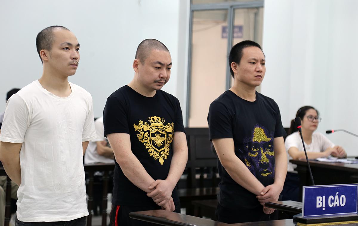 Các bị cáo tại phiên tòa sơ thẩm ngày 18/9. Ảnh: Xuân Ngọc.