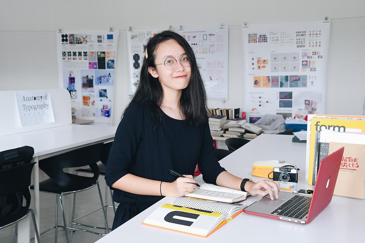 Trần Phương Thảo Ngọc (sinh viên năm ba, ngành Ứng dụng Sáng tạo Đương đại) là một trong bốn sinh viên nhận suất học bổng toàn phần danh giá nhất tại BUV năm 2018.