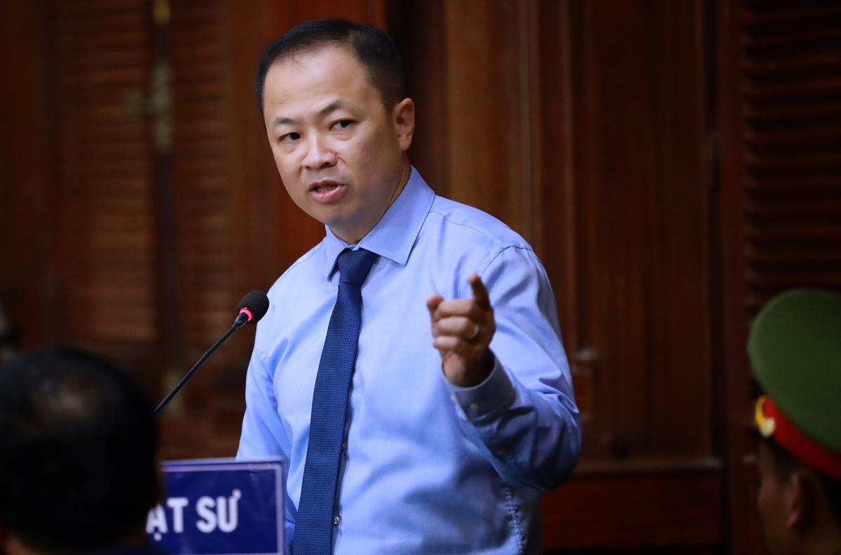 Luật sư Nguyễn Hữu Thế Trạch, bào chữa cho Lê Thị Thanh Thúy. Ảnh: Hữu Khoa.