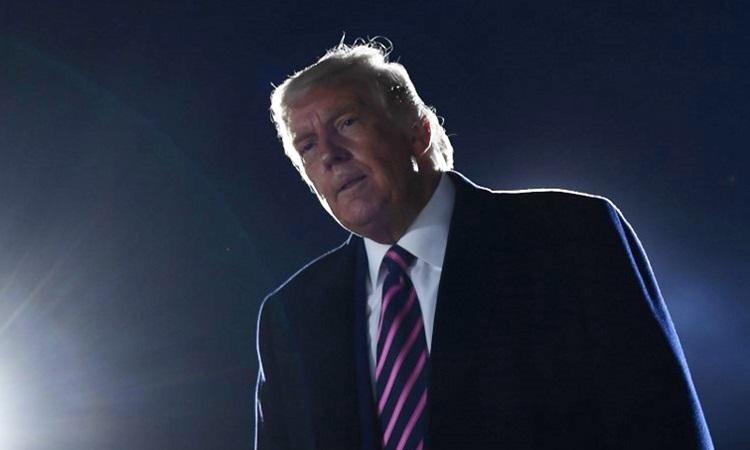 Phản ứng của Tổng thống Mỹ Donald Trump khi nghe tin thẩm phán Ginsburg qua đời sau khi ông kết thúc buổi vận động tranh cử ở bang Minnesota hoom18/9. Ảnh: AFP.