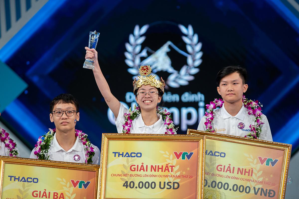 Nguyễn Thị Thu Hằng trở thành tân quán quân Đường lên đỉnh Olympia năm thứ 20. Ảnh: Đình Tùng.