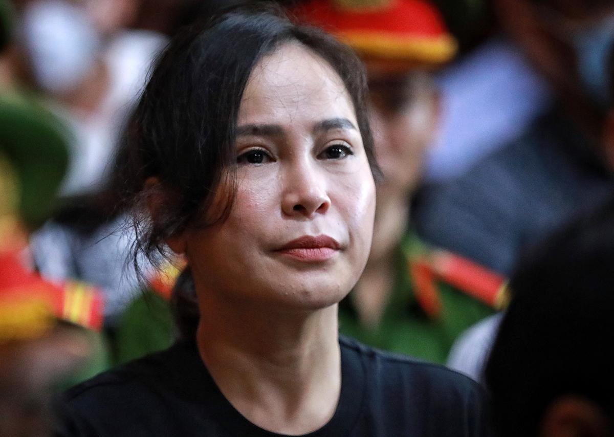 Bị cáo Lê Thị Thanh Thuý nghe tuyên án sáng 20/9. Ảnh: Hữu Khoa.