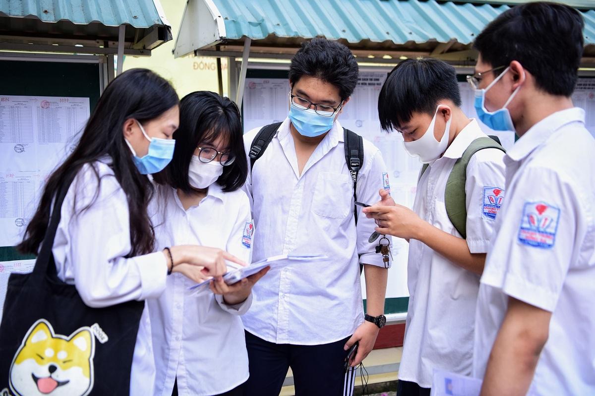 Thí sinh dự thi tốt nghiệp THPT 2020 tại Hà Nội. Ảnh: Giang Huy