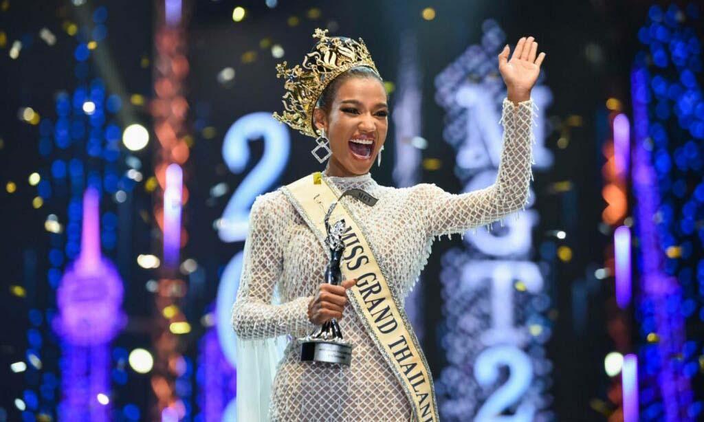 Tân hoa hậu cuộc thi Miss Grand Thailand Pacharaporn Nam Chantarapadit đăng quang hôm 20/9. Ảnh: Khaosodenglish.