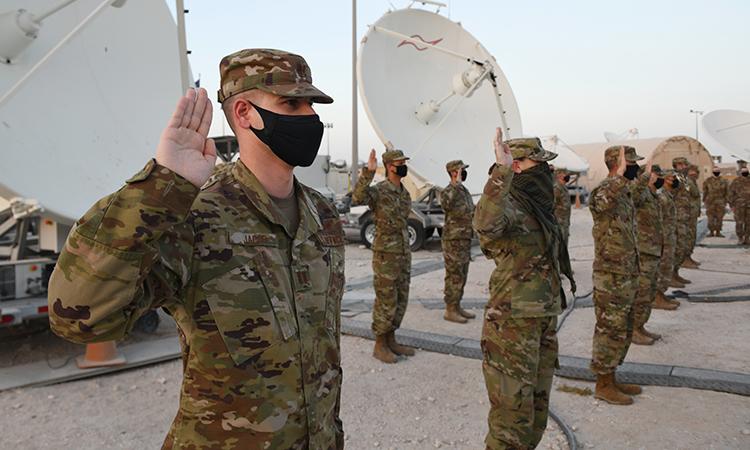 Binh sĩ không quân Mỹ trong buổi tuyên thệ chuyển sang lực lượng vũ trụ tại căn cứ Al-Udeid, Qatar, ngày 1/9. Ảnh: USAF.