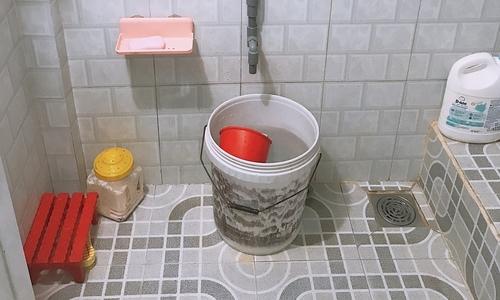 Xây nhà tắm hiện đại để thay đổi suy nghĩ của ba mẹ