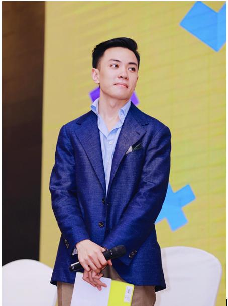Anh Đặng Trần Tùng có bốn lần đạt điểm IELTS 9.0.