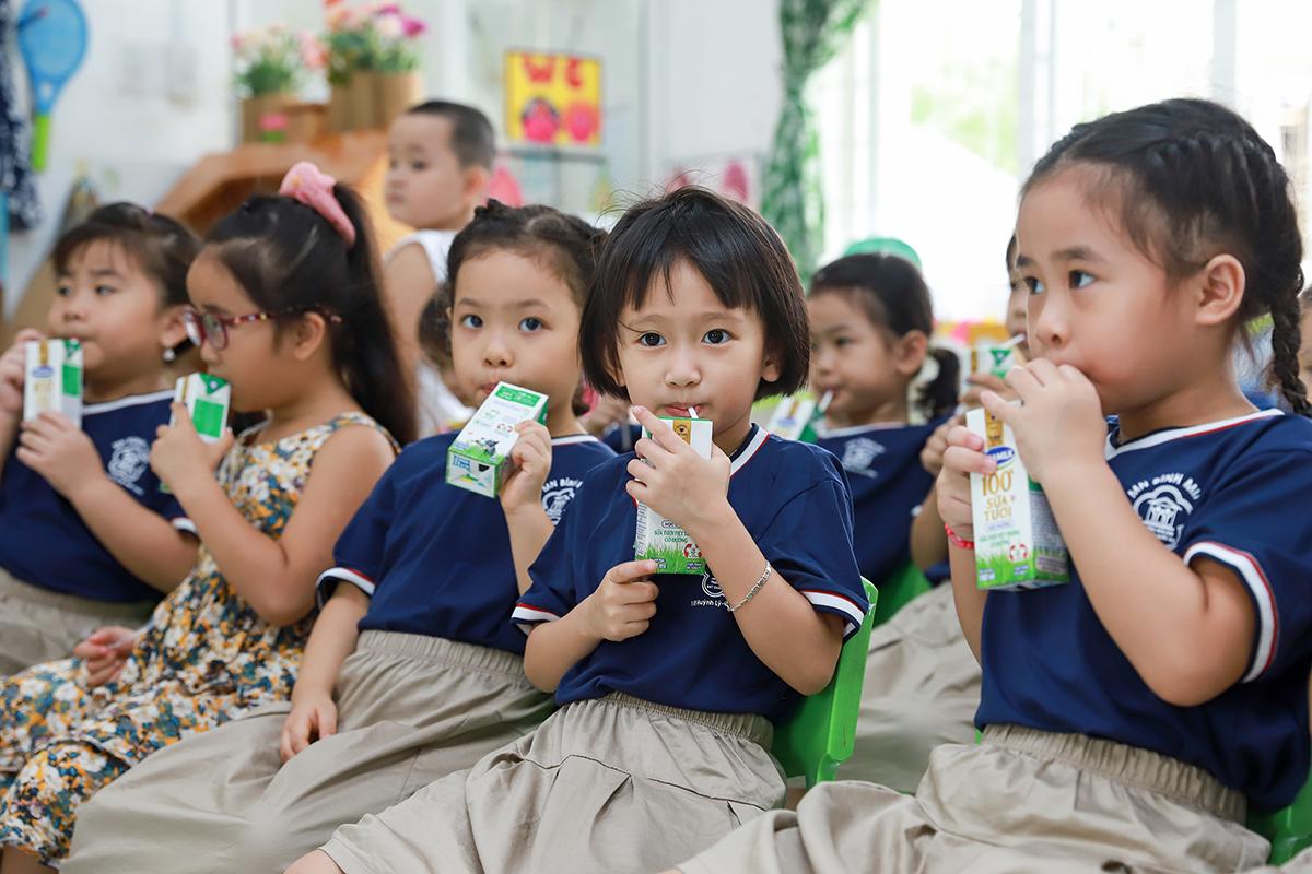Chương trình Sữa học đường góp phần cải thiện thể trạng và chiều cao của con trẻ được nhiều thầy cô, phụ huynh ở Đà Nẵng đánh giá cao.