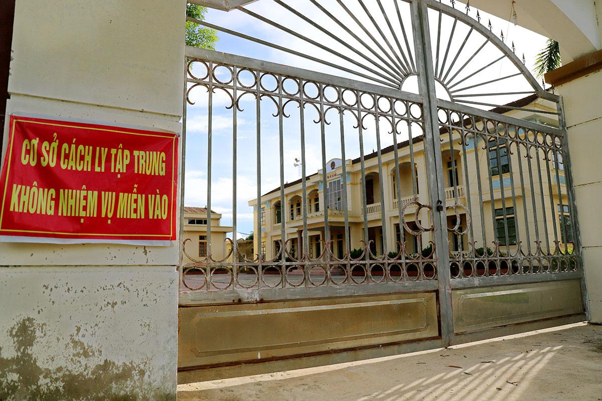 Trụ sở xã Đức Lâm (cũ), sáp nhập với xã Đức Thủy và Trung Lễ thành xã Lâm Trung Thủy, huyện Đức Thọ, được trưng dụng làm nơi cách ly Covid-19 hồi tháng 3, nay để không. Ảnh: Đức Hùng