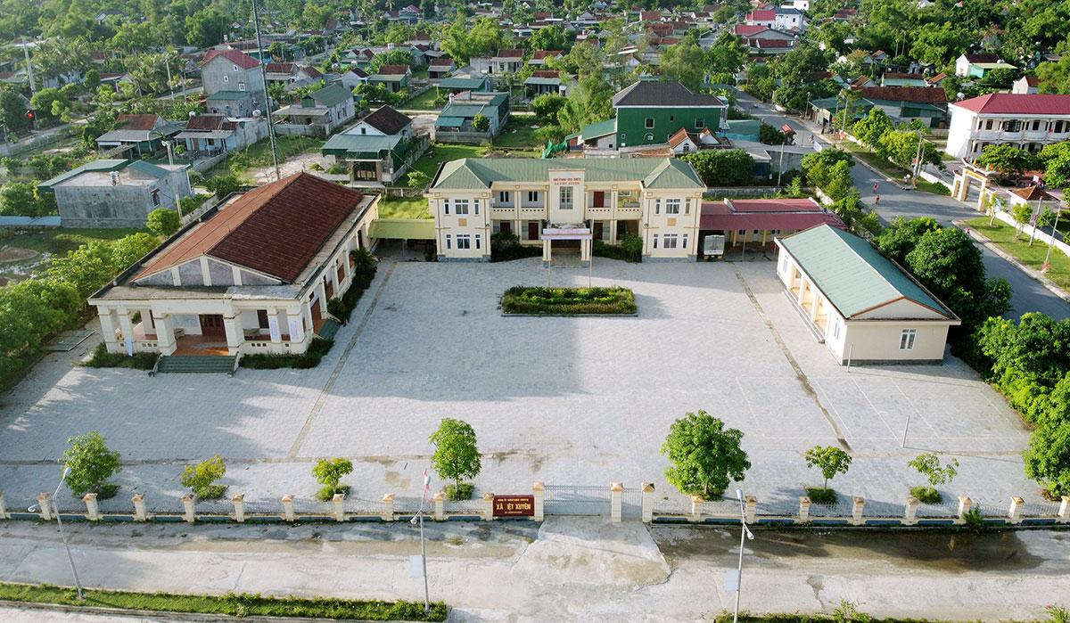 Trụ sở xã Việt Xuyên (cũ), huyện Thạch Hà, bỏ hoang sau sáp nhập. Ảnh: Đức Hùng